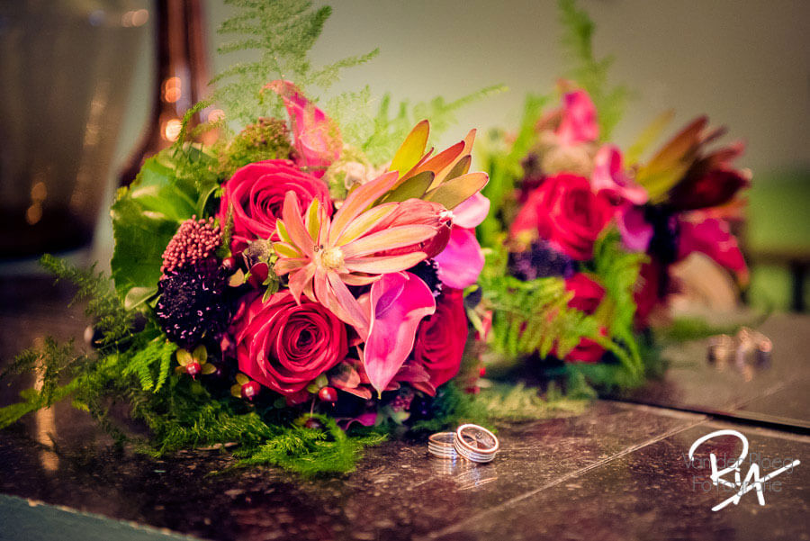 huwelijksfotograaf bruidsfotograaf fotograaf trouwboeket kasteel Vught