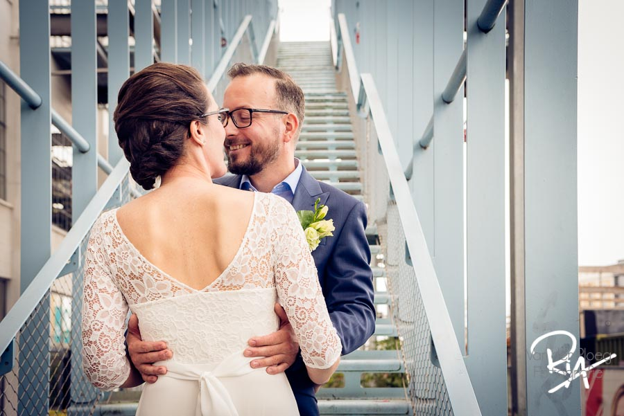 trouwfotograaf eindhoven strijp s bruidspaar