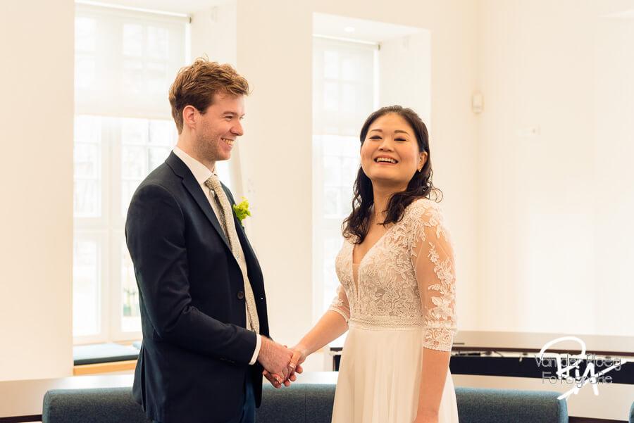 Trouwen in Waalre Aalst bruidsfotografie gemeentehuis ceremonie