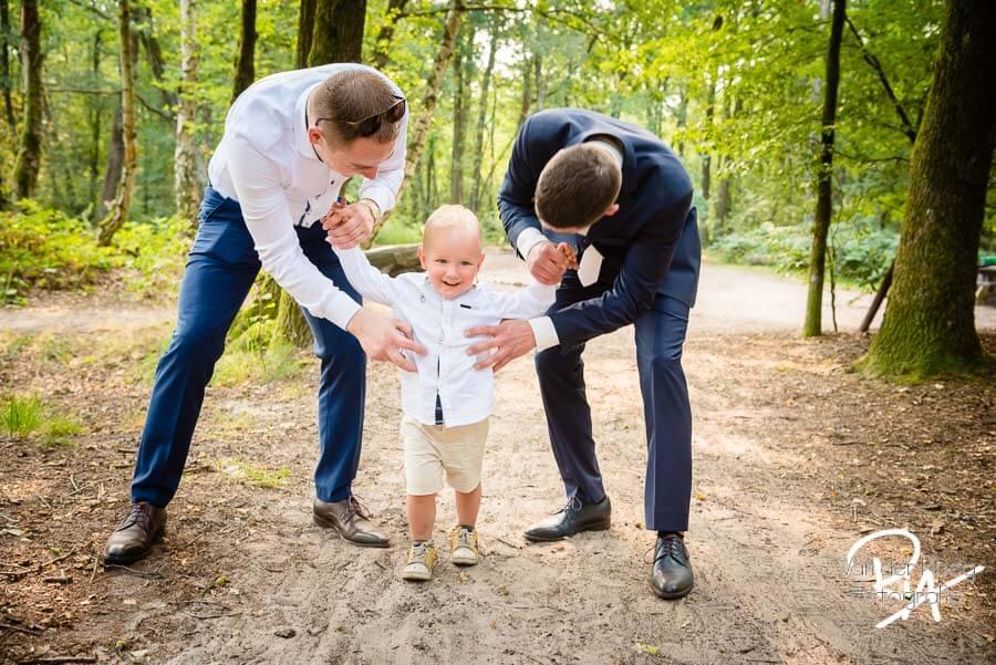 Bruidsfotografie Malpie natuur omgeving Eindhoven broers