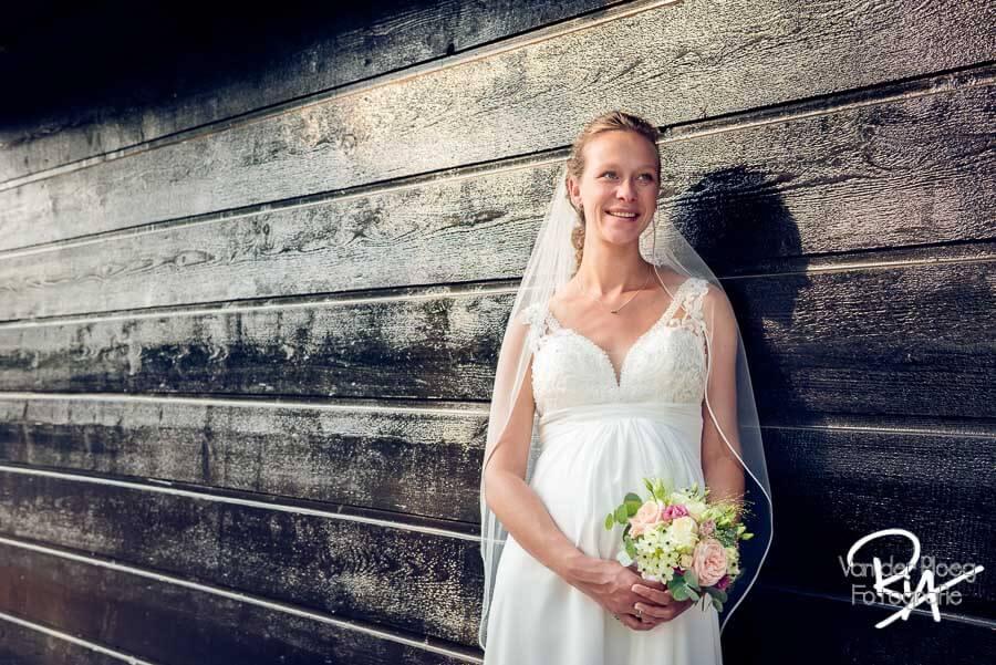 Trouwfoto zwangere bruid Venbergse watermolen