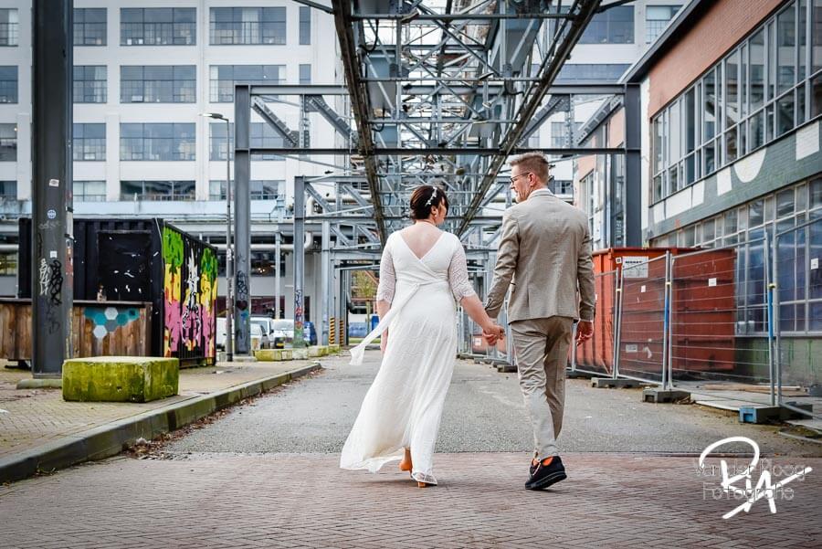 Fotografie bruidspaar fotograaf Strijp S Eindhoven