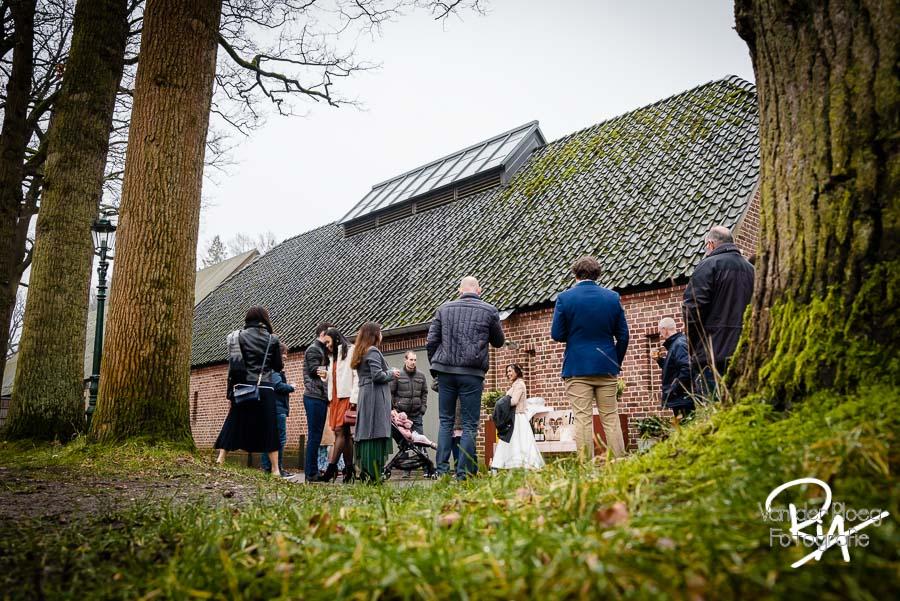 Fotograaf huwelijk kasteelhoeve kasteel Geldrop bruidsfotografie