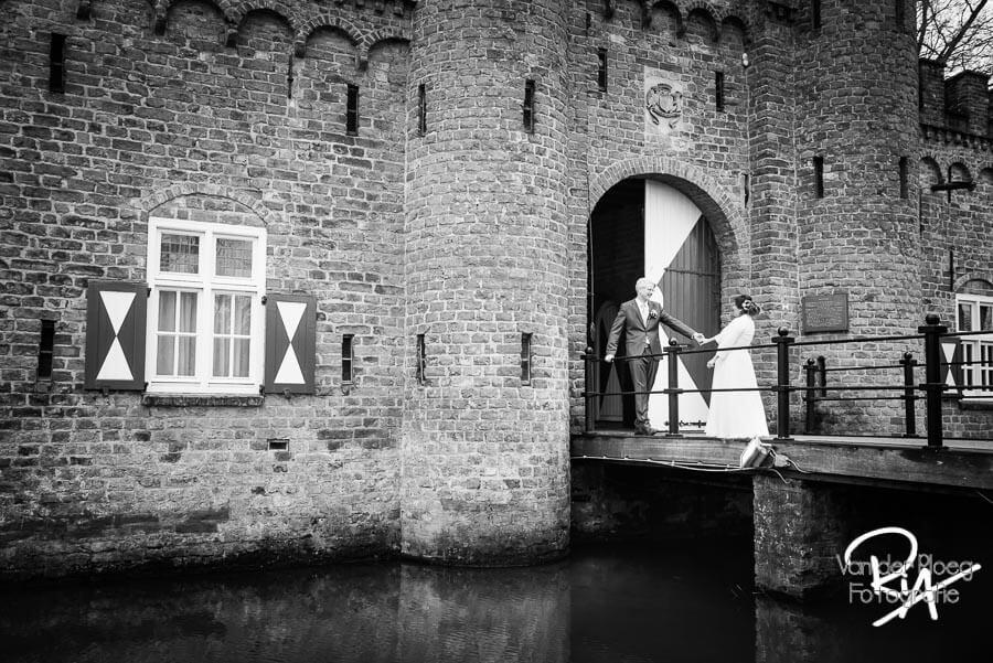 Bruidsfotografie kasteel Sint Oedenrode bruidsfotograaf Henkenshage