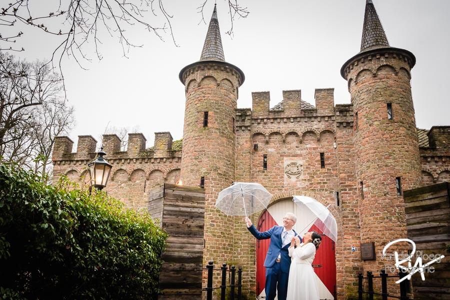 Bruidsfotografie kasteel Sint Oedenrode trouwfotograaf Henkenshage