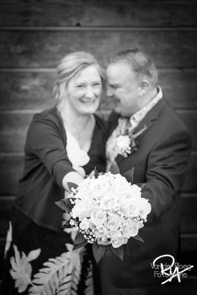 Plezier bruidspaar fotograaf Valkenswaard Dommelen huwelijk