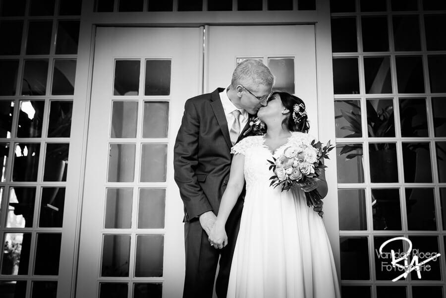 Trouwreportage trouwfotograaf Eindhoven Brabant zwart wit