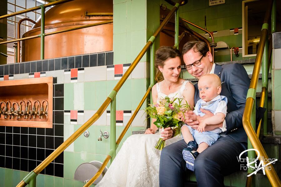 Bruidsfotograaf Dommelen bruidspaar brouwerij