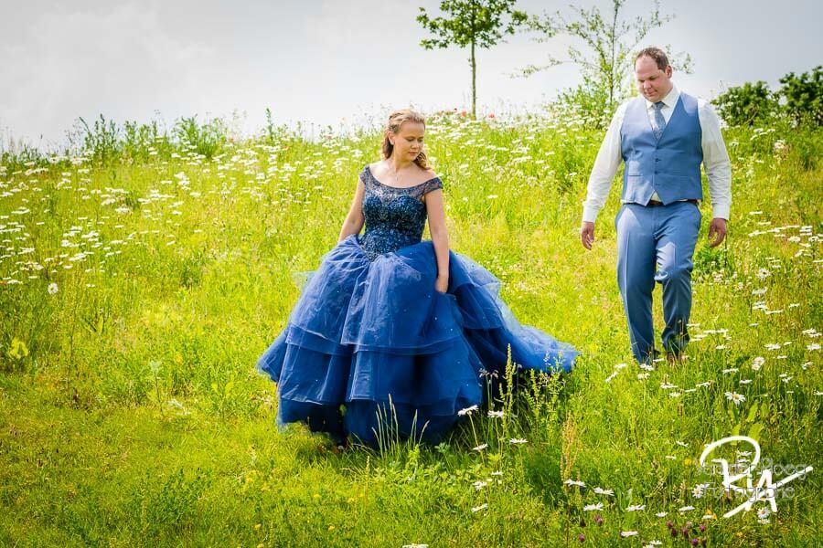 Trouwfotograaf Valkenswaard bruidspaar natuur