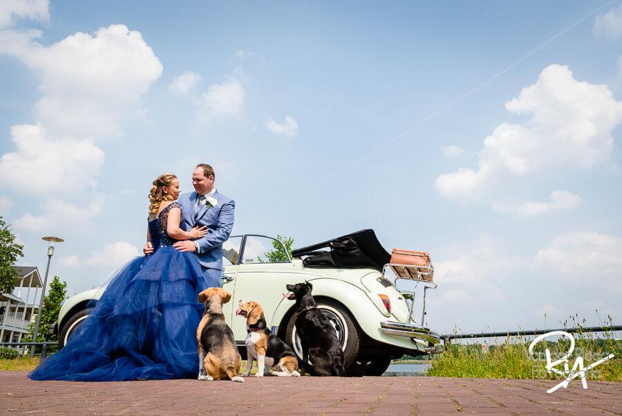 fotograaf bruiloft Waalre bruidspaar hondjes Eindhoven