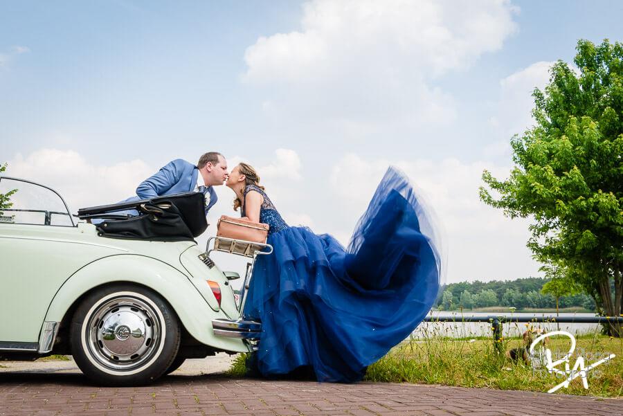 fotograaf bruiloft Waalre speelse bruidsfotografie