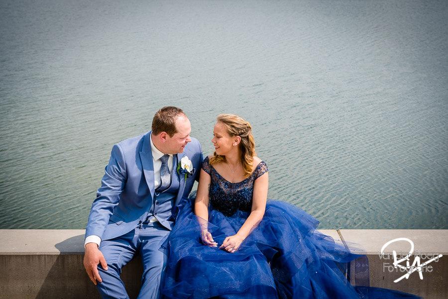 fotografie bruidspaar trouwfoto gat van Waalre