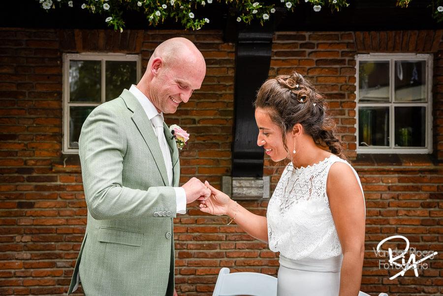 Bruidsfotograaf Goirle bruidsreportage trouwringen